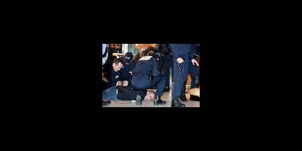 Affrontement général à Paris entre policiers et jeunes - La Libre