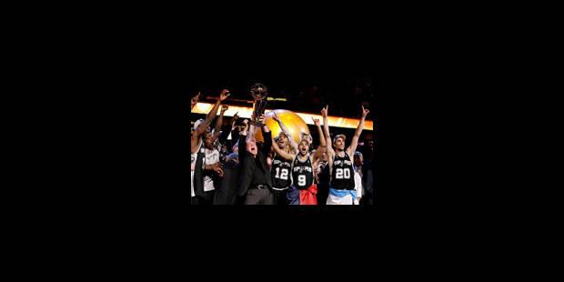 San Antonio remporte la finale - La Libre