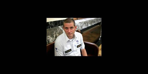 Les commissaires Biot et Stratsaert acquittés pour détournement de subsides - La Libre