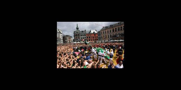 Ils étaient près de 100 000 à la Ducasse - La Libre