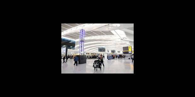 Perturbations prévues jeudi dans les aéroports britanniques - La Libre