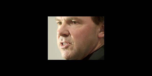 Le ministre Muyters survit à la motion de méfiance au Parlement flamand - La Libre