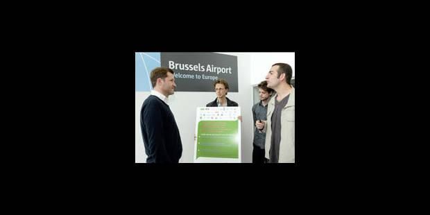 La coalition belge Rio+20 interpelle Paul Magnette à l'aéroport - La Libre
