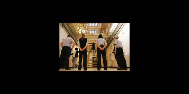 Les policiers déjà requis 74 jours pour les grèves de prison - La Libre