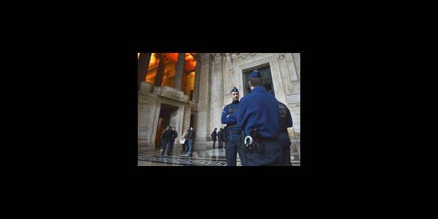 Dutroux: une comparution sous haute tension - La Libre