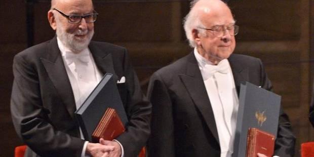 François Englert officiellement récompensé du Nobel de physique - La Libre