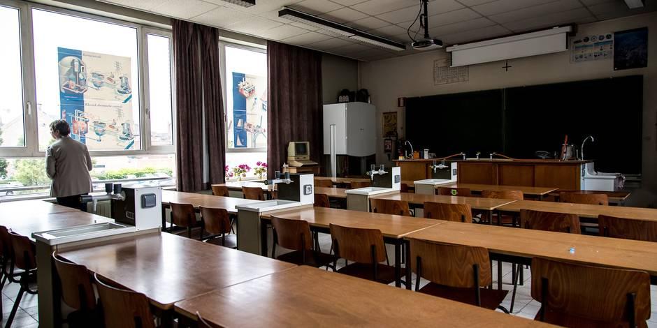 """""""On a laissé tomber les parents des écoles adossées"""" - La Libre"""