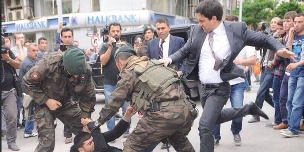 La photo qui réveille la colère turque - La Libre