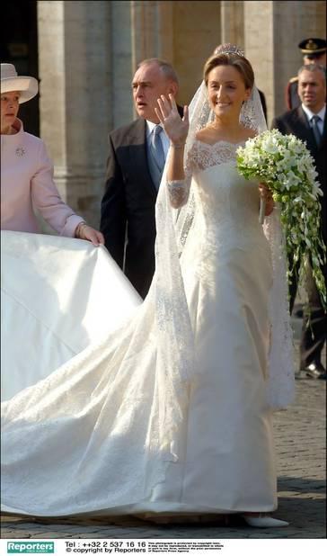 """Pour """"le plus beau jour de sa vie"""", la princesse Claire a confié la réalisation de sa robe à Edouard Vermeulen."""