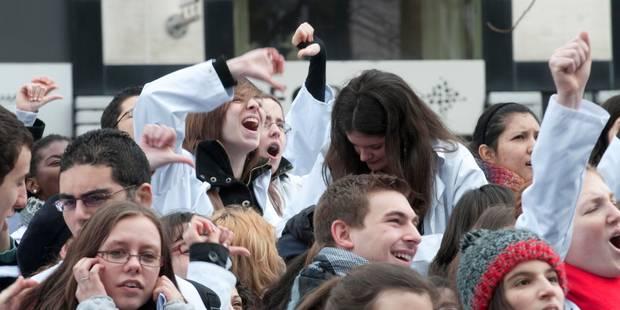 Les étudiants en médecine de l'UCL partent en grève - La Libre