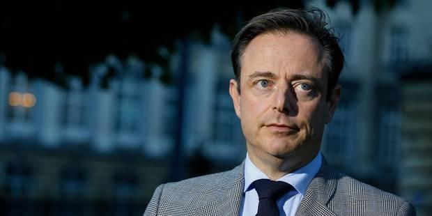 """De Wever dénonce une """"grève politique"""" et flingue le syndicat socialiste - La Libre"""