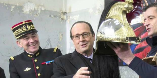 Échaudé par sa chapka, Hollande hésite face au casque - La Libre
