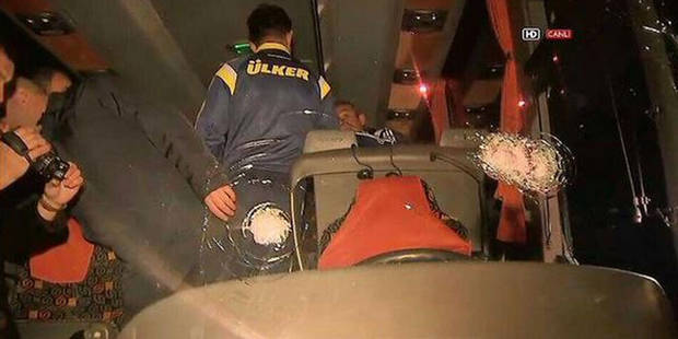 Coups de fusil contre le bus du club de foot Fenerbahçe - La Libre