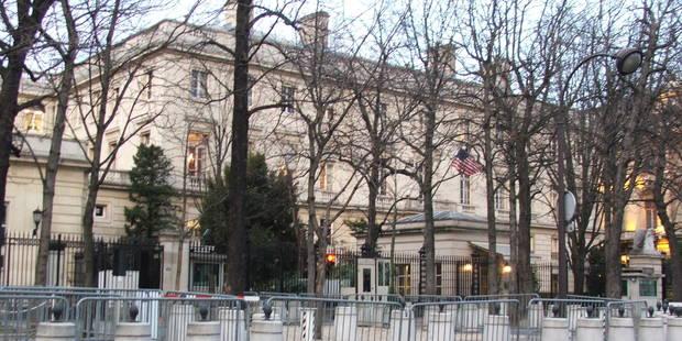 Qu'abrite le toit de l'ambassade américaine à Paris? - La Libre
