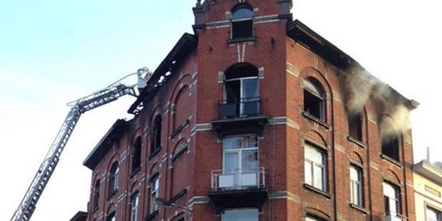 Incendie dans un immeuble à appartements à Molenbeek: 14 blessés dont 3 sérieux - La Libre
