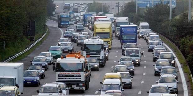 Départ en vacances: environ 250 km de files en France, circulation fluide en Belgique - La Libre
