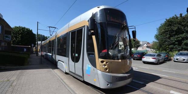 Molenbeek: un conducteur de tram blessé après avoir été agressé par un passager - La Libre