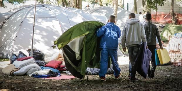 Plusieurs centaines de jeunes contraints de dormir à la rue sans aucune protection - La Libre