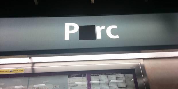 Pourquoi certaines lettres ont disparu des panneaux ou sites internet ? - La Libre