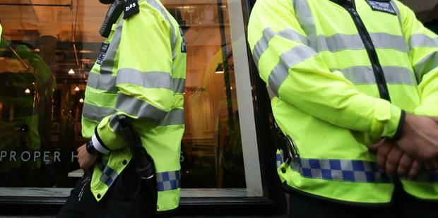 Pédophilie: un prêtre britannique arrêté à son retour à Londres après 5 ans de cavale - La Libre