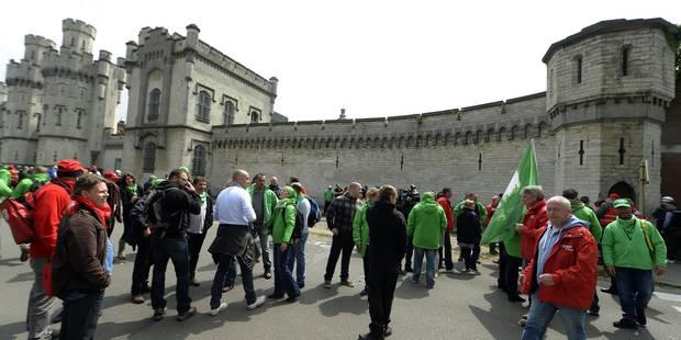 Grève dans les prisons: Un projet de loi sur le service garanti avant la fin de l'année - La Libre