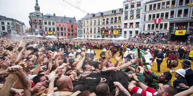 Plus de 150 interventions des secours dimanche matin à la Ducasse de Mons - La Libre