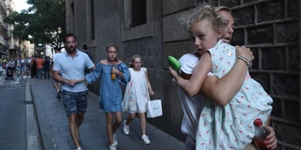 La photo de cette famille belge a fait le tour du monde après les attentats de Barcelone - La Libre