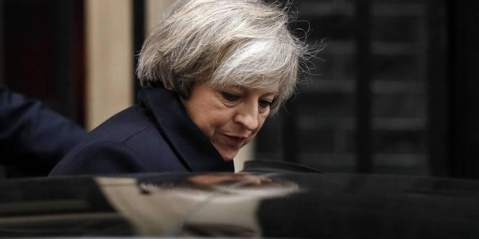 Malgré les critiques, Theresa May entend rester au pouvoir - La Libre