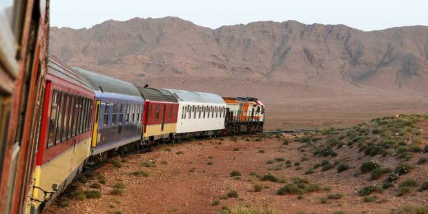 Au Maroc, le train du désert conduit les touristes sur les traces du passé et de James Bond