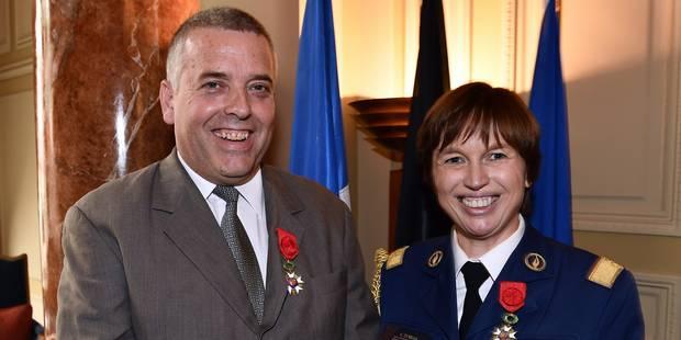 La France décerne une légion d'honneur aux chefs de la police fédérale belge - La Libre