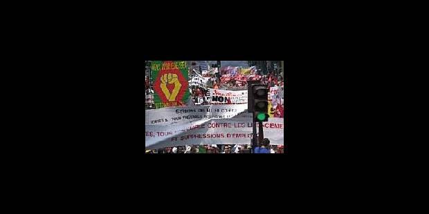 Paris manifeste contre les licenciements - La Libre