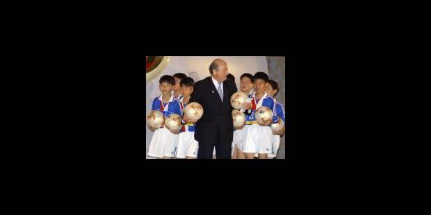 Le Suisse Joseph Blatter réélu président - La Libre