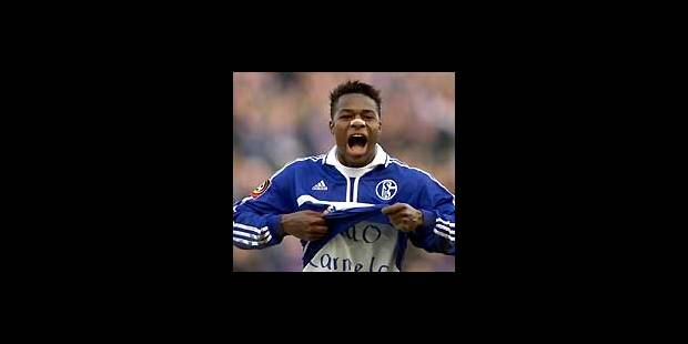 Emile Mpenza revient au Standard - La Libre