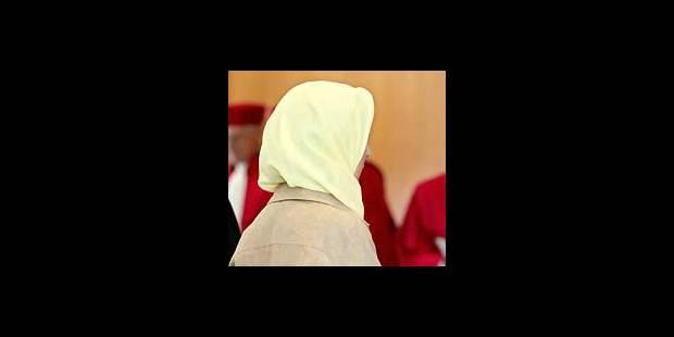 Le foulard concentre les frustrations - La Libre