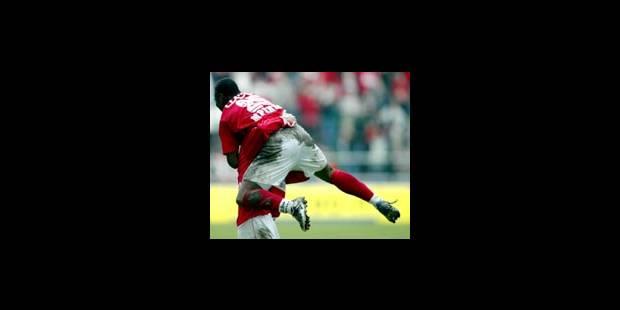 Emile Mpenza, serial buteur...