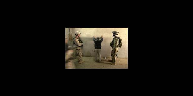 Les chiites d'Irak remportent les élections, la violence se poursuit