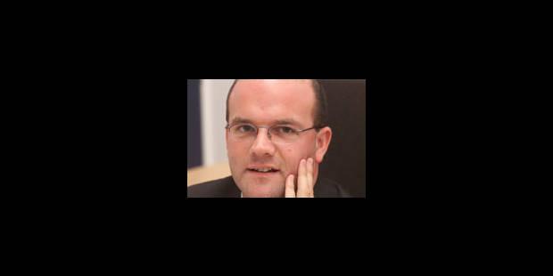 """Courard suggère à Van Cau de faire """"1 pas de côté"""" - La Libre"""