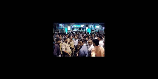 Explosions dans des trains de Bombay : au moins 140 morts
