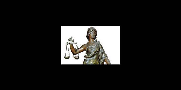 Les 9 prévenus acquittés - La Libre