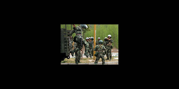 Pékin envoie des milliers de soldats - La Libre
