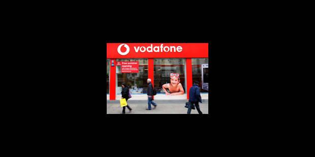 Vodafone : bénéfice coupé en deux