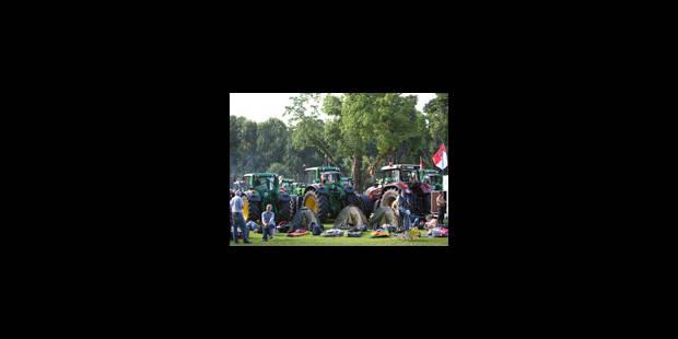 Un millier de tracteurs se dispersent dans Bruxelles - La Libre