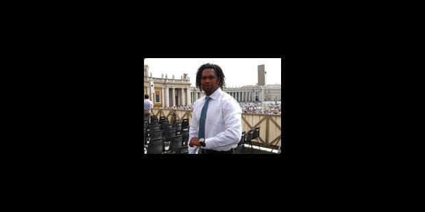 "Karembeu ""conseiller spécial"" de la candidature belgo-néerlandaise"