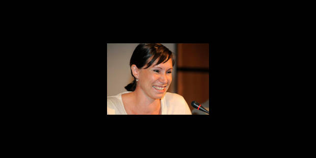 La Grand-Croix de l'Ordre de la Couronne à Kim Gevaert et Tia Hellebaut - La Libre