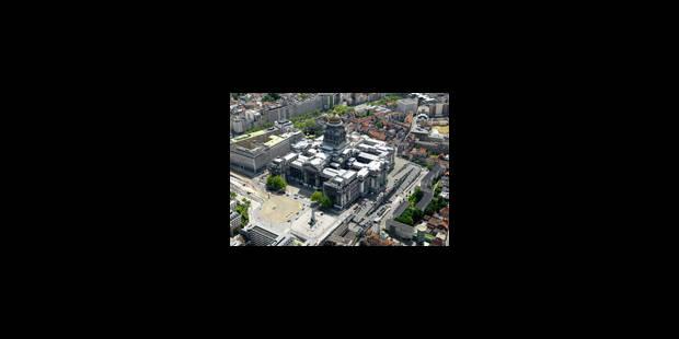 Des caméras de surveillance au Palais de Justice de Bruxelles - La Libre
