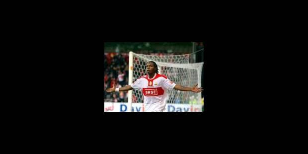 Mbokani délivre le Standard dans les dernières minutes - La Libre