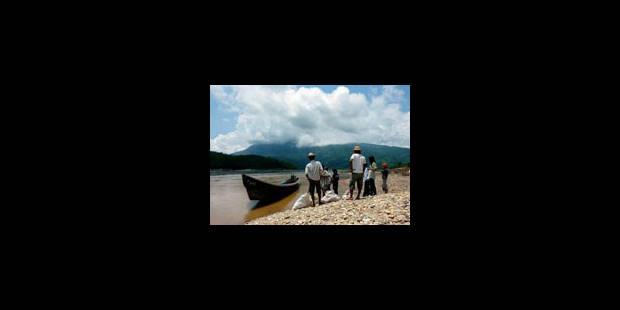 Birmanie: 15.000 personnes fuient le pays
