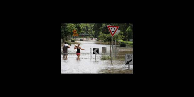 Inondations en Australie: un mort, Brisbane échappe au pire