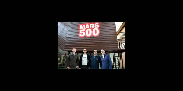 """Deux astronautes """"marchent"""" fictivement sur Mars - La Libre"""