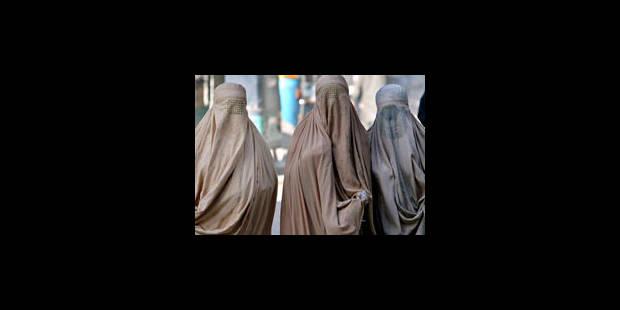 La Ligue des droits de l'homme dénonce la loi interdisant la burqa